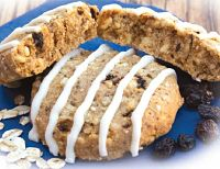 Oatmeal Raisin Cookie With Icing